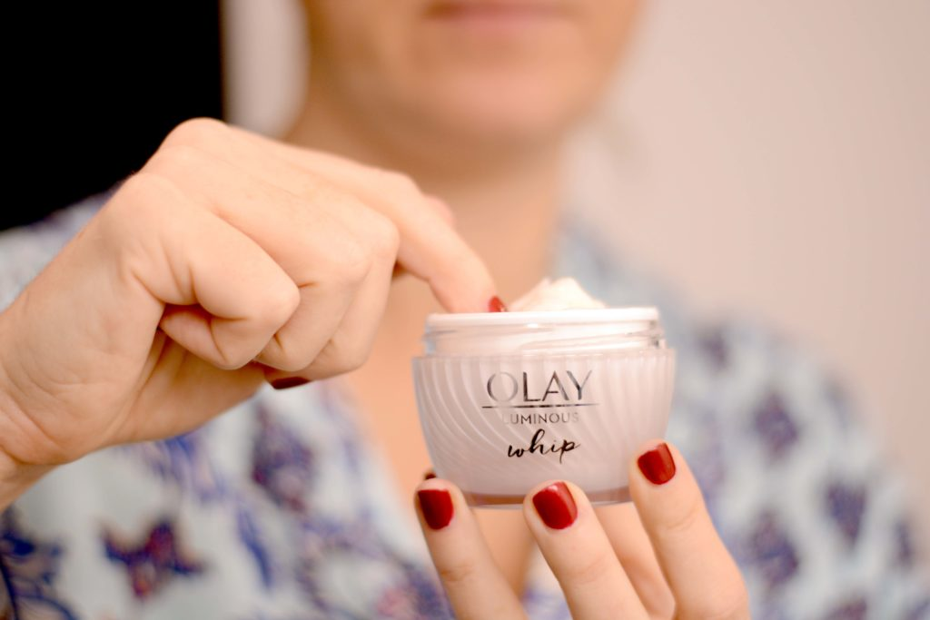 Want a moisturizer that is light as air and gets the job done? Get ready - this is the best lightweight moisturizer that doesn't act like a lightweight.